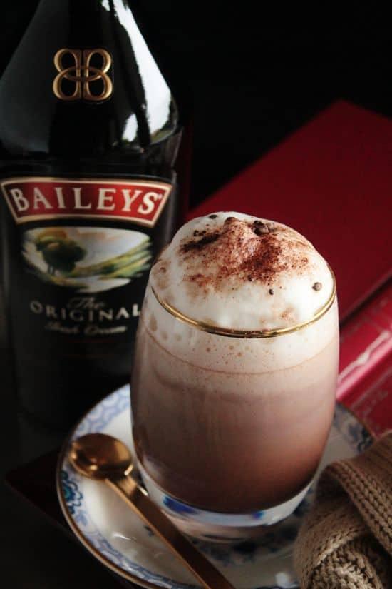 Front Row - Baileys - Bebidas calientes